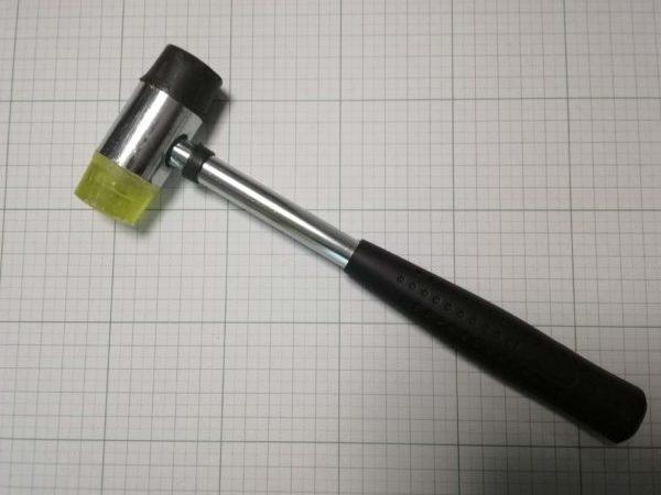 レザークラフトに使用するハンマー