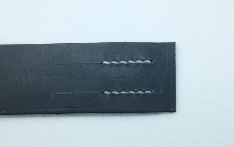 レザークラフトの糸の太さ比較している。