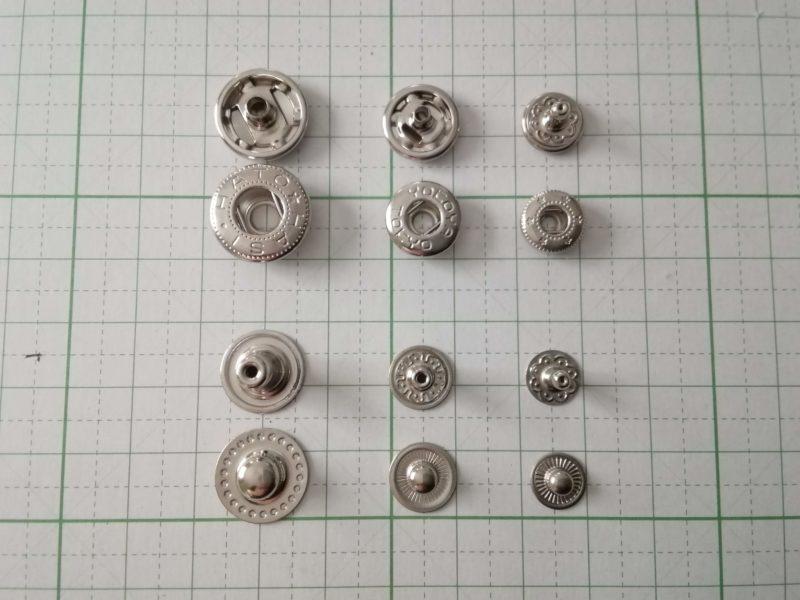 バネホックボタンの大中小のサイズを比較した。