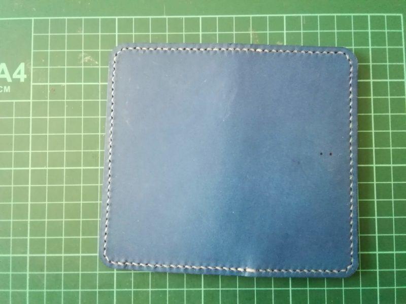 iPhoneSEケースを縫う